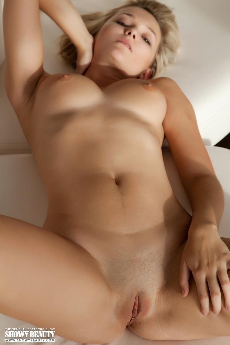 Eelyn kok bikini