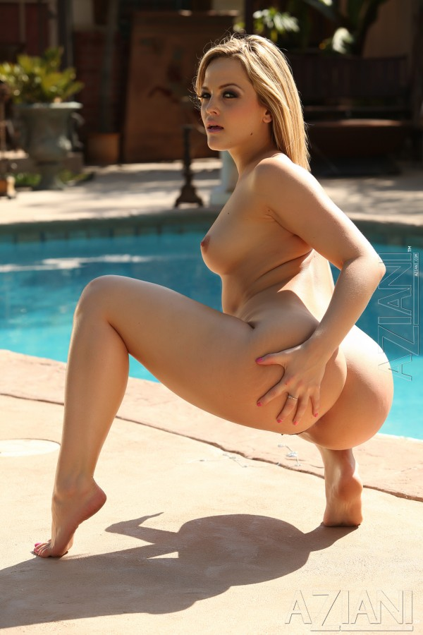 Big Smile Fuck - Big smile, big boobs, big ass and big pussy lips..yes that is Alexis Texas!