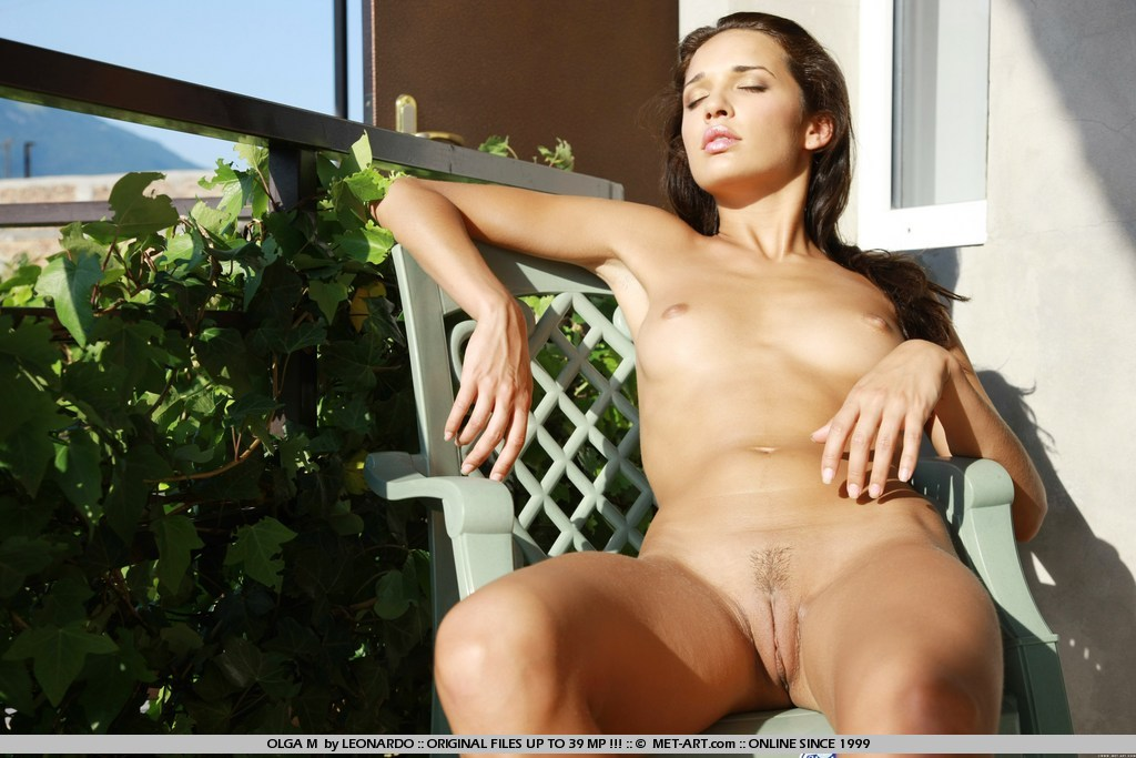 girl-precious-naked-big-tit-cam