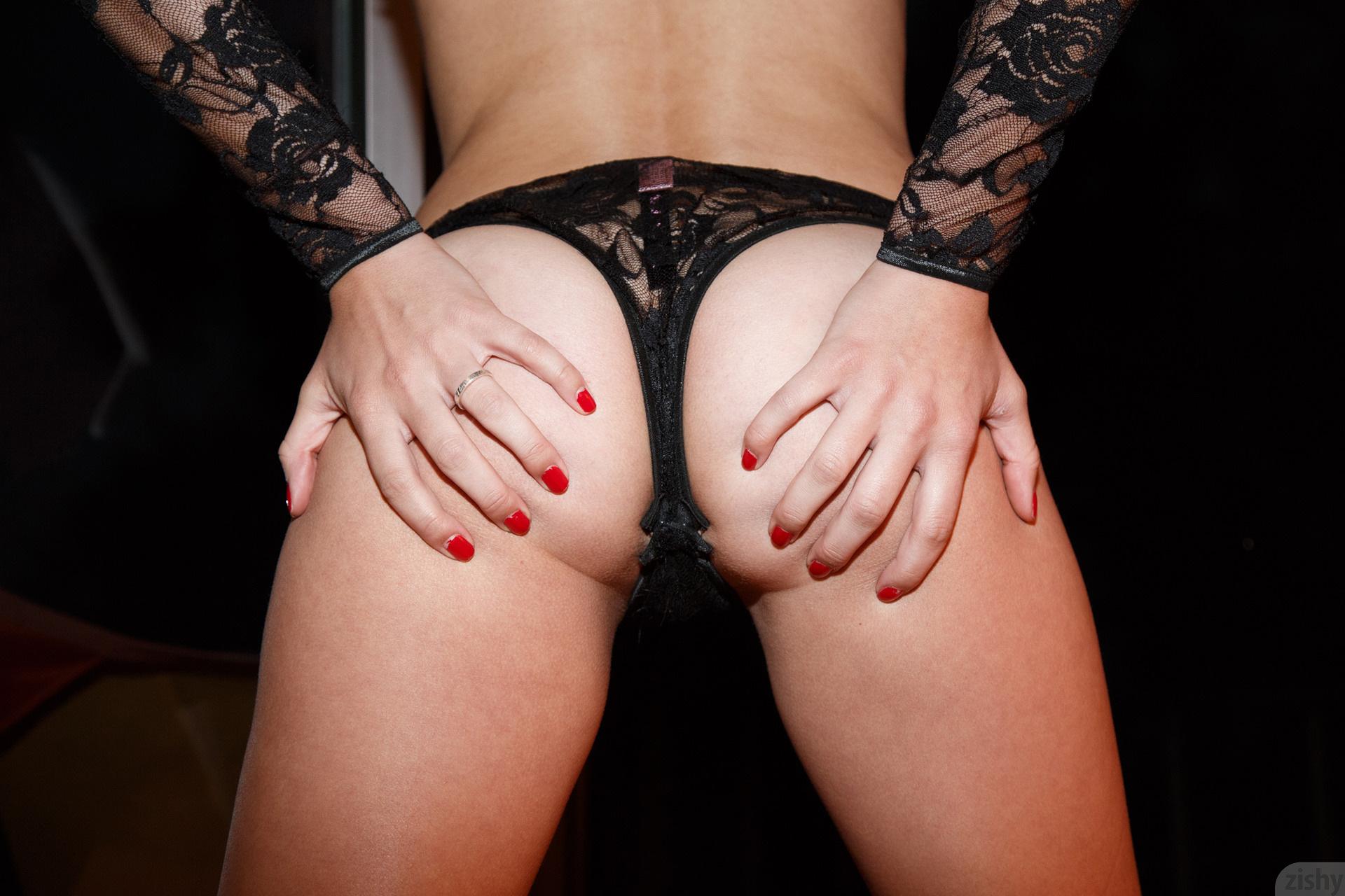 Heidi bichette the black lace killah
